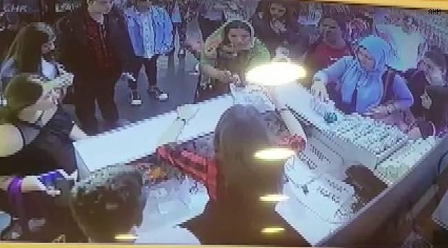 Maltepe'de kasiyerin dikkati, sahte para vermek isteyen kadını yakalattı