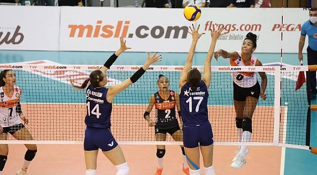 Sultanlar Ligi: Eczacıbaşı VitrA: 2 - Fenerbahçe Opet: 3
