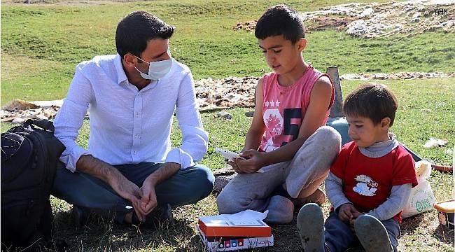 THY çalışanından köy okulları için tablet kampanyası