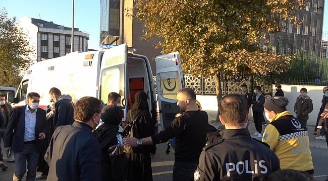 Arnavutköy'de bir anda yola yığılan kadın vefat etti