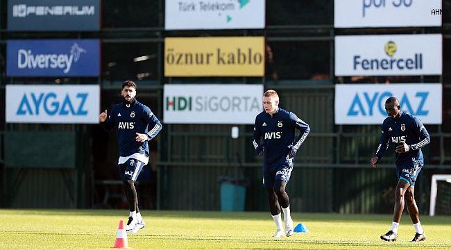 Fenerbahçe'de Serdar ve Sinan takımdan ayrı çalıştı