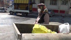 75 yaşındaki Fatma teyze, yanlışlıkla çöpe attığı para ve telefonunun geri getirilmesini bekliyor