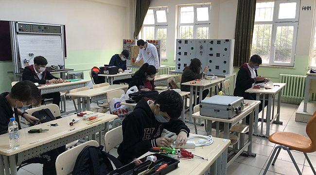 İstanbul Valiliği Okullarda Normalleşme İle İlgili Açıklama Yaptı