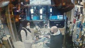 """İstanbul'da """"peruklu hırsız"""" cep telefonunu çaldı"""