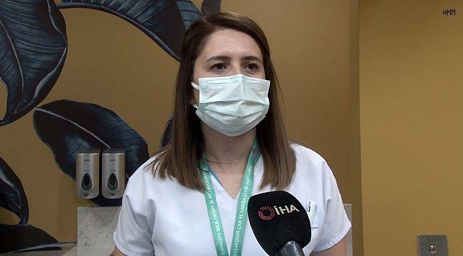 """Korona virüsü yenen hemşire, """"Hastalarıma bulaştırdım mı diye endişem oldu"""""""