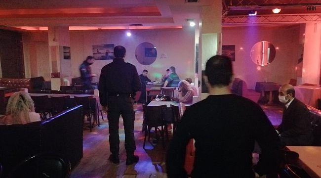 Bahçelievler'de müzikhole Covid-19 baskını: 14 kişiye 48 bin lira para cezası