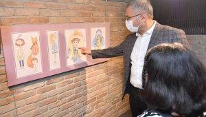 """11 yaşındaki sanatçının """"sergi"""" hayali Üsküdar'da gerçekleşti"""