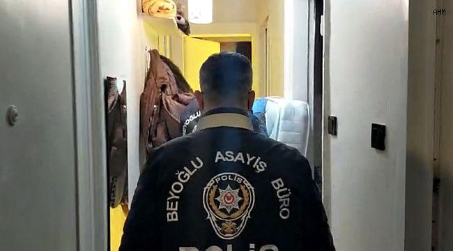 """İstanbul'un göbeğinde """"bez dolaptaki"""" uyuşturucu serasına baskın"""