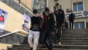 Kendilerine polis süsü vererek 1 milyon liralık vurgun yapan çete çökertildi