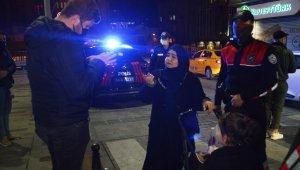 Taksim'de doğum günü partisine nefes kesen baskın