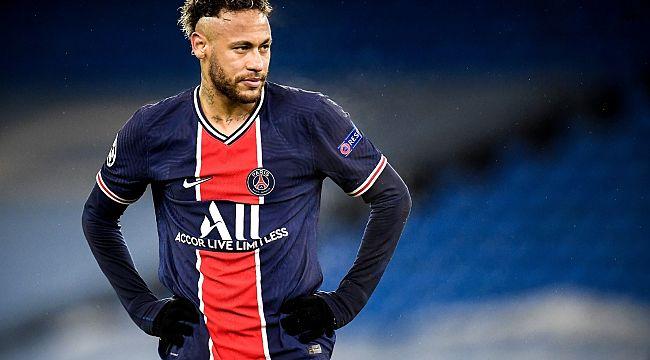 Neymar, PSG ile sözleşmesini uzattı