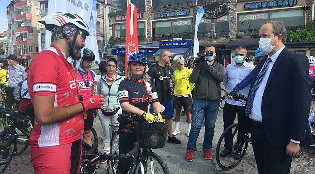 """""""Dünya Bisiklet Günü"""" İçin Pedal Çevirdi"""