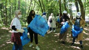 Eyüpsultan'daki piknik alanındaki çöpler temizlendi