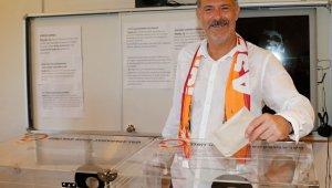 Galatasaray başkan adayları oylarını verdi