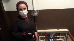 Sultangazi'de bulunan bir apartmanın su saatleri çalındı