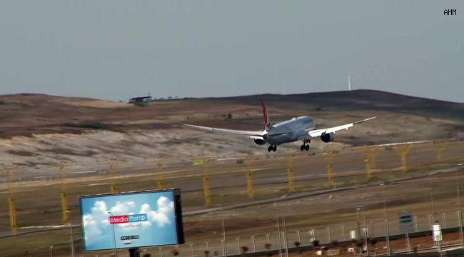 Getiren Uçak İstanbul Havalimanı'na İndi