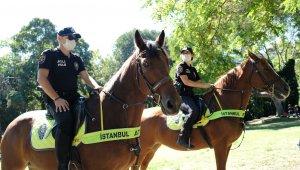 Atlı polislerden Maçka Parkı'nda korona virüs denetimi