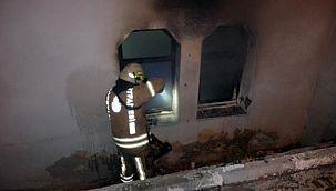 Avcılar'da yine boşaltılan binada yangın