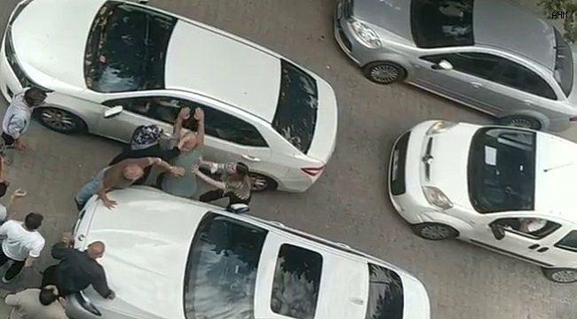 Avcılar'da yol kavgasına kadınlar da karıştı
