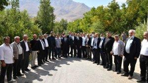 Başkan Bozkurt'tan Van'daki selzedelere dayanışma ziyareti