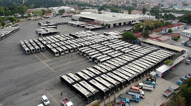 İstanbul'da 160 metrobüs için imzalar atıldı