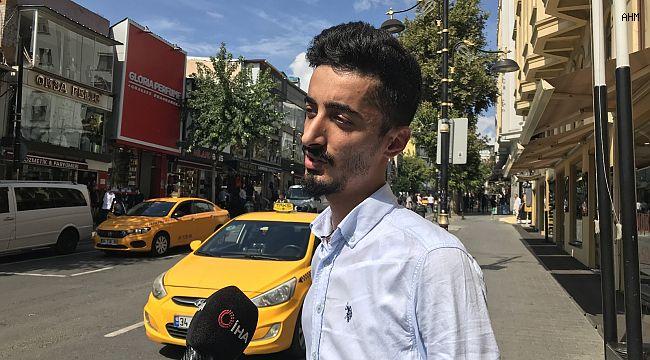 İstanbul'da taksiciden örnek davranış, para dolu cüzdanı turistlere ulaştırdı