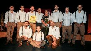 Maltepe Belediye Tiyatrosu'na Ukrayna'dan çifte ödül