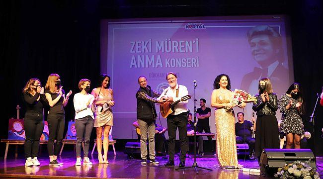 Sanat Güneşi Zeki Müren şarkılarıyla Kartal'da anıldı