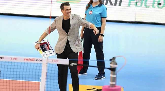 VakıfBank, Bolu Belediyespor'u 3-0 mağlup etti