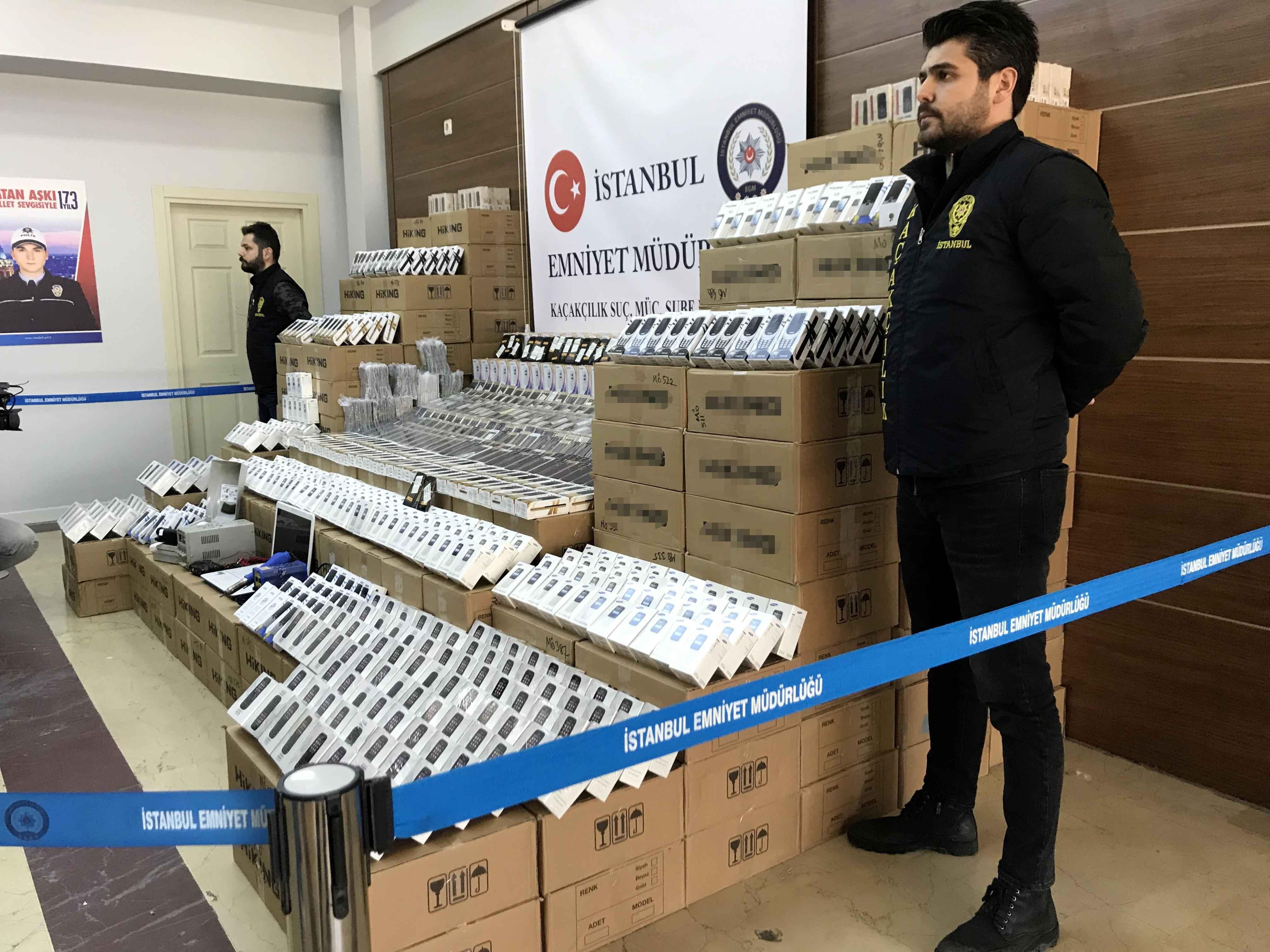 İstanbul'da 47 Bine Yakın Kaçak Cep Telefonu Ele Geçirildi