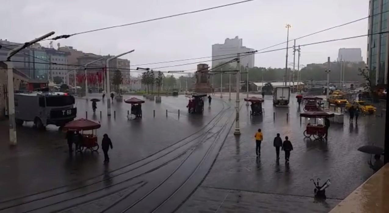 Sağanak Yağış İstanbul'u Vurdu!