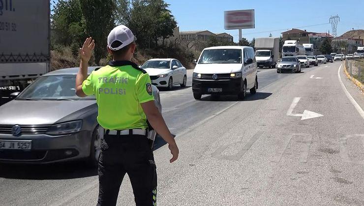 43 İlin Geçiş Noktasında Trafik Kilit