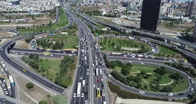 Bayram tatili başladı, İstanbul trafiği durma noktasına geldi