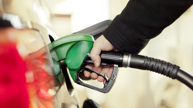 Benzin Fiyatlarına İndirim