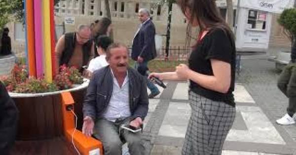 Avcılar'da Güneş Enerjisi İle Çalışan Sarj Noktası Hizmete Girdi