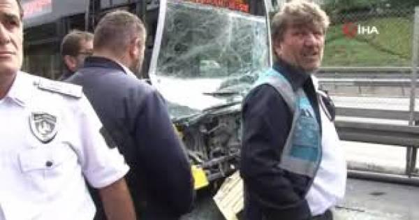 Metrobüsler çarpıştı: 13 yaralı
